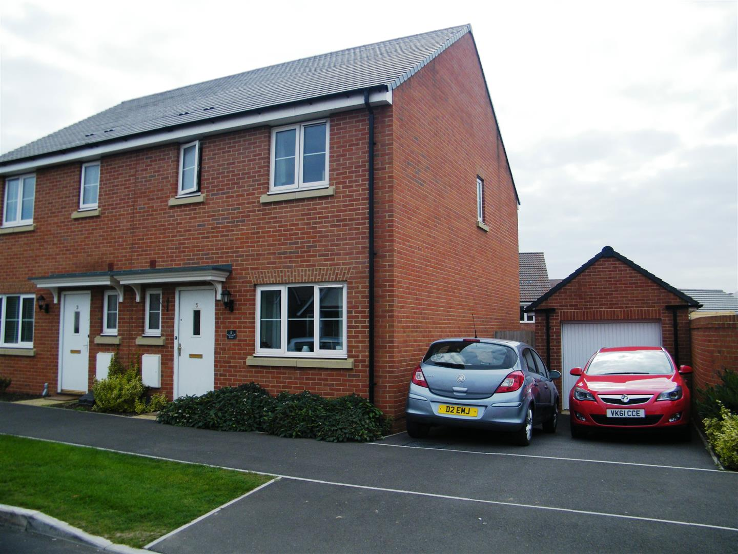 3 Bedrooms Semi Detached House for sale in Hercules Road, Calne